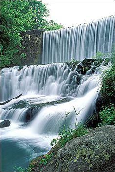 mirror lake waterfall