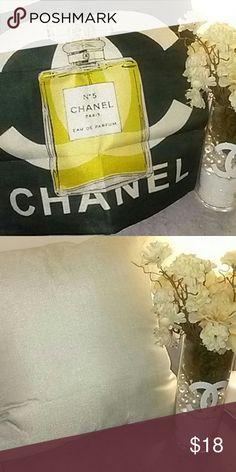 Pillow cover 45 x45 cm  Linen cotton material  Does not include pillow or insert  Zipper closure  Decorative pillows , Pillow cover , pillow case , designer , louis vuitton , chanel , lv , cc , logo , comforter, linen , bedroom , pillow , throw pillow , nars Chanel  Other