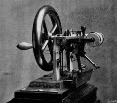 The Sewing Machine Patent Wars.  What a 19th-century episode tells us about smartphone litigation today. Victorian Sewing Machines, Antique Sewing Machines, Sewing To Sell, Sewing Tools, Sewing Projects, Sewing Tutorials, Sewing Patterns, Elias Howe Sewing Machine, Sewing Machine History