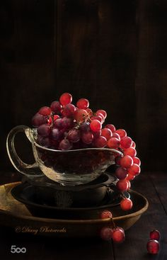 Raindrops and Roses - Obst Fotografie Vegetables Photography, Fruit Photography, Still Life Photography, Fruit And Veg, Fruits And Vegetables, Fresh Fruit, Still Life Photos, Still Life Art, Raindrops And Roses