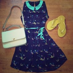 Zara navy bird print dress with pleats and belt XS XS.  Super comfy.  Keyhole back. Excellent used condition Zara Dresses
