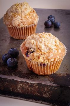 How to make Starbucks blueberry muffins at home. How to make Starbucks blueberry muffins at home. Starbucks Recipes, Starbucks Cupcakes, Homemade Cake Recipes, Homemade Muffins, My Best Recipe, Blue Berry Muffins, Muffins Blueberry, Food Cakes, Coco