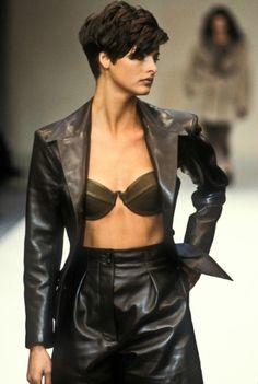 Azzedine Alaia RTW S/S 1989. Model Linda Evangelista
