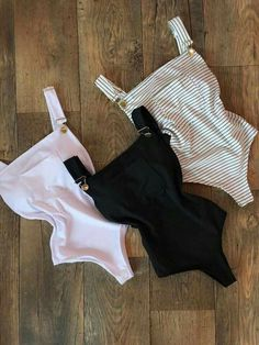 How To Wear Overalls Shorts Bathing Suits 47 Ideas Teen Fashion, Fashion Outfits, Womens Fashion, Fashion Tips, Fashion Trends, School Fashion, Korean Fashion, Pullover Shirt, Jolie Lingerie