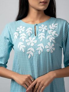 Embroidery On Kurtis, Hand Embroidery Dress, Kurti Embroidery Design, Applique Embroidery Designs, Embroidery Suits, Applique Dress, Simple Kurta Designs, Stylish Dress Designs, Kurta Designs Women