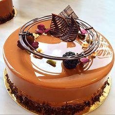 502 mentions J'aime, 9 commentaires – MJ Bageri & Konditori ( Fancy Desserts, Fancy Cakes, Delicious Desserts, Food Cakes, Cupcake Cakes, Cake Recipes, Dessert Recipes, Chocolate Garnishes, Decoration Patisserie