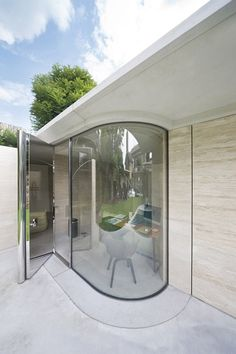 I am designing a curved glass building at Leroy Street right now. House IV by De Bever Architecten Interior Design Boards, Contemporary Interior Design, Glass Blocks Wall, Glass Walls, Curved Walls, Roof Light, Home Additions, Glass House, Maine House