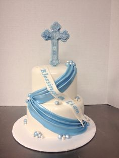 First communion cake for a boy cake by tracycakesar.