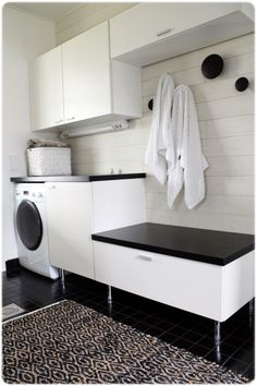 Laundry room / black and white Home Decor Inspiration, Room Renovation, Laundry Room Decor, House Interior, Small Bathroom, Kitchens Bathrooms, Apartment Inspiration, Bathroom Inspiration, Living Room Designs