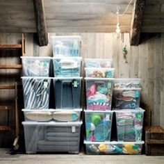 Whether you have a large, spacious area or a small garage, these garage hacks will help you organize your space into a tidy, efficient area for whatever types of projects you enjoy spending time on. Self Storage, Storage Bins, Diy Storage, Storage Spaces, Locker Storage, Ikea Kitchen Cabinets, Kitchen Cabinet Organization, Closet Organization, Organizing