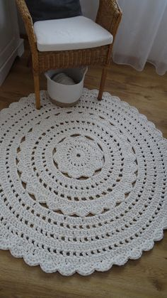 ...lace knitter and yarn addicts blog...  crochet ru for my bedroom