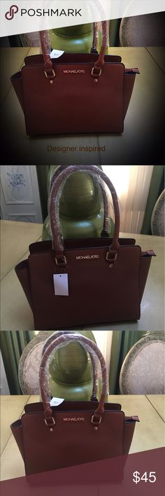 Designer Inspired Handbag This is a stunning designer inspired Handbag brown in color good hardware. If you don't like spending to much money or get bored of the same bag this is right for you. Thanks for checking out my closet please come back new listings weekly. 🌴🌴🌴 Bags Shoulder Bags