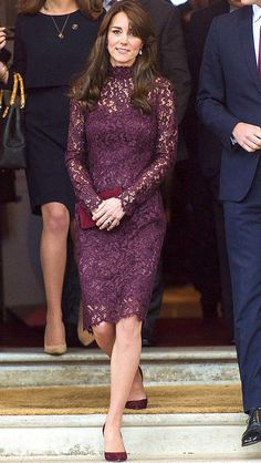 Kate Middleton in a purple lace Dolce & Gabbana dressPurple Lace dress Beautiful never worn purple knee high dress with lace cover and polyester linin Kate Middleton Stil, Estilo Kate Middleton, Purple Lace, Purple Dress, Plum Lace Dress, Birthday Outfit, Princesse Kate Middleton, Princesa Kate, Estilo Fashion