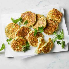 Easy Zucchini Fritters Light Recipes, Vegetable Recipes, Vegetarian Recipes, Dairy Free Recipes, Cooking Recipes, Healthy Recipes, Zucchini Fritters, Veggie Side Dishes, Side Dishes