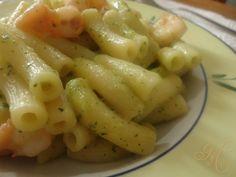 Pasta con crema di zucchine e gamberi | Ricetta primi piatti