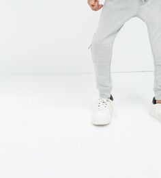   Knee-pad sweatpants  