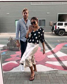 LAURA NOLTEMEYER (@designdschungel) • Instagram-Fotos und -Videos Summer Blouses, Elegant, Outfit, Street Style, Beautiful, Videos, Instagram, Fashion, Photos