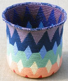 Spectral Reversible Bead Tapestry Crochet Basket Video and Instructions: http://www.tapestrycrochet.com/