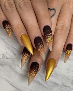Related Pretty Acrylic Coffin Nails Design You Need To Try - Amazing Winter Nail Art Designs 2019 Ideas - Fashionable - NailsNägel – Nail Art 4556 – Graue Nägel. Fancy Nails, Cute Nails, Pretty Nails, My Nails, Grow Nails, Sparkle Nails, Nail Art Designs, Acrylic Nail Designs, Nail Swag