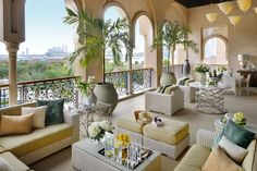 Luxury Hotel and Resort Meet Exquisite Design Details: The One & Only, The Palm in Dubai Interior Design Dubai, Luxury Homes Interior, Interior And Exterior, Elegant Home Decor, Elegant Homes, Luxury Rooms, Luxury Living, Luxury Cabin, Mode Club