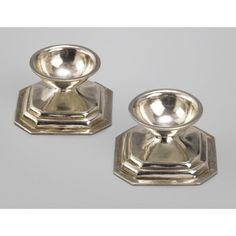 A pair of Dutch silver miniature salt cellars, Arnoldus van Geffen, Amsterdam, 1760 | Lot | Sotheby's $5,600.00 EUR