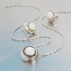 Continuously evolving our beloved Pallini beaded pattern, our Aurora collection is a new twist of diamond & sterling silver! Stop in at your local Honora retailers to see our newly added pieces! #PearlsThatGoWith #Diamonds #LocalRetailers #HonoraPearls
