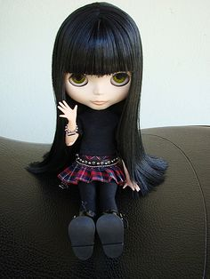 Blythe Doll - if the hair was dark auburn I would swear they made a doll of her down to the outfit and all
