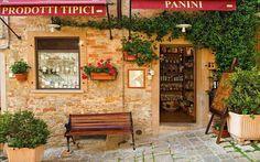 Wandering into little shops. Un cappuccino y panini por favore.