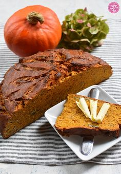 Rosen & Brot - sugar&rose Sandwich Torte, Banana Bread, Desserts, Food, Hemp Seeds, Peasant Bread, Bread Baking, Food Food, Tailgate Desserts