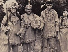 CHEROKEE GROUP , circa 1940 Native Indian, Native Art, Native American Pictures, First Nations, Native Americans, Cherokee, Nativity, Group, People