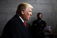 Los historiadores estudian las similitudes entre las primeras semanas de Trump y las de Adolf Hitler