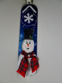 Items similar to Think Snow wall decor, hand painted, dark blue fan blade with Frosty snowman in plaid scarf on Etsy Christmas Wood, Christmas Projects, Christmas Ideas, Christmas Decorations, Ceiling Fan Blades, Ceiling Fans, Painted Fan Blades, Fan Blade Art, Painted Fences