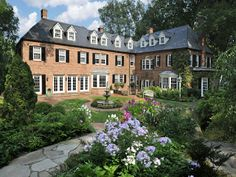 Greenwich, CT Luxury Real Estate & Homes for Sale English Architecture, Georgian Architecture, Architecture Design, Architecture Board, Villas, Future House, My House, Extravagant Homes, Georgian Interiors