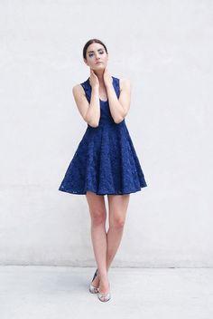 Niebieska sukienka (proj. Drunklegends), do kupienia w DecoBazaar.com