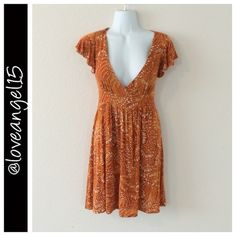 SALEXS Burnt Orange Dress Item Name- XS burnt orange dress Size- XS Brand- Veronica M Condition- Excellent used condition Color(s)- Orange; white Special Features- V-neck style; 1-4 sleeve Would Look Good With- Gold accessories  Length- 32in Bust- 20in ⚡️Host Pick 9/18 and 10/31⚡️ TRADESPAYPAL✅PRICE NEGOTIABLE veronica m Dresses
