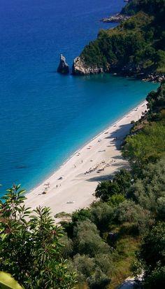 Agios Saranta, Pelion, Greece ( by corneliapopov)