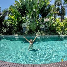 Can't think of a better place to kick off the weekend 🍸 #villa #seminyak #bali #dream #pool #tgif #cocktails #chandralife #bestpools