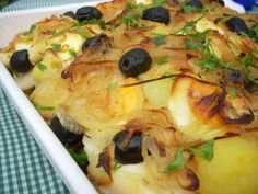 Bacalhau a Gomes de Sa; Morue au four Need to translate Cod Fish Recipes, Seafood Recipes, Cooking Recipes, Fish Dishes, Seafood Dishes, Brazilian Dishes, Portuguese Recipes, Portuguese Food, Special Recipes