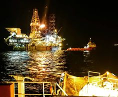 Commence rig move operations! #rig#rigmove#towing#ahts#anchor#offshore#westafrica#africa#offshorelife#oilfield#oilfieldlife#seaman#sailor#vessel#ship#psv#supplyboat#platform#jackup#oilandgas#night#view#amszczecin#akademiamorska#deckofficer#maritime#academy#instadaily#vsco#picoftheday by captain.conrad