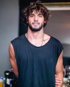 --- Green Valley 8 Anos by Diego Jarschel --- Marlon Teixeira, Beautiful Men Faces, Gorgeous Men, Hair And Beard Styles, Curly Hair Styles, Brazilian Men, Poses For Men, Curly Hair Men, Grunge Hair