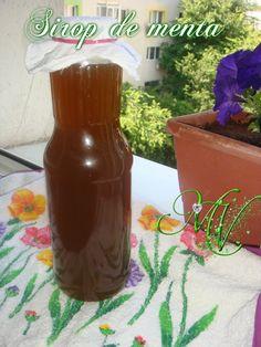 8 sirop de menta Romanian Food, Romanian Recipes, Cocktails, Drinks, Health Snacks, Dental Health, Hot Sauce Bottles, Canning, Handmade