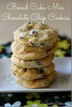 Brownie Cookies, Cake Box Cookies, Cake Mix Cookie Recipes, Easy Chocolate Chip Cookies, Box Cake Mix, Chocolate Chip Recipes, Cookies Et Biscuits, Chocolate Chips, White Cake Mix Cookies