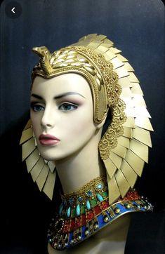 Cleopatra Headdress, Egyptian Headpiece, Egyptian Goddess Costume, Egyptian Queen, Egyptian Beauty, Ancient Beauty, Ancient Egyptian Jewelry, Ancient Egypt Art, Egypt Makeup