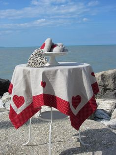 hearts and sea Mantel Redondo, Elephant Applique, Plastic Bag Holders, Mug Rugs, Table Toppers, Chair Covers, Kitchen Towels, Table Linens, Country Decor