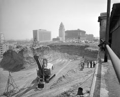 Excavation of Fort Moore Hill, 1949. Courtesy of the Los Angeles Times Photographic Archive, Young Research Library, UCLA.