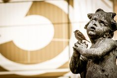 Ö3-Weihnachtswunder in Linz Buddha, Tours, Statue, Art, Linz, Craft Art, Kunst, Gcse Art, Sculpture