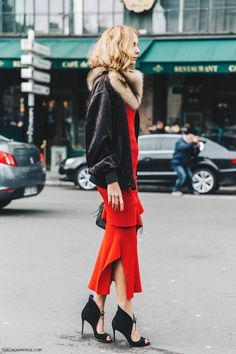Bold street style: Black jacket and shoes, fur collar, over pure red sweater and midi-skirt. -MB 1366_2000.jpg (1050×1575)