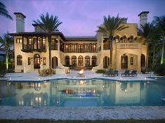 Beautiful Mediterranean home and pool