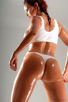 http://www.sexcigarsbooze.com/wp-content/uploads/2013/07/Bianca-Beauchamp-2.jpg