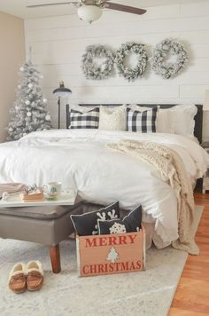 christmas bedroom Formidable Holiday Bedroom Decor Ideas, Your bedroom is your sanctuary and so should be a place you can readily unwind for the evening. It may not be on display for your guests but adding a . Easy Home Decor, Home Decor Bedroom, Cozy Bedroom, Bedroom Simple, Bedroom Ideas, Bedroom Designs, Winter Bedroom Decor, Master Bedroom, Bedroom Lamps